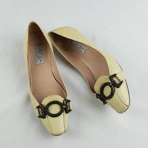 Oscar De La Renta women 7 leather kitten heels